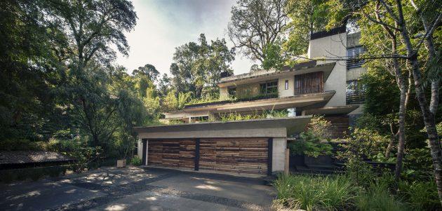 House Maza by CHK Arquitectura in Valle de Bravo, Mexico