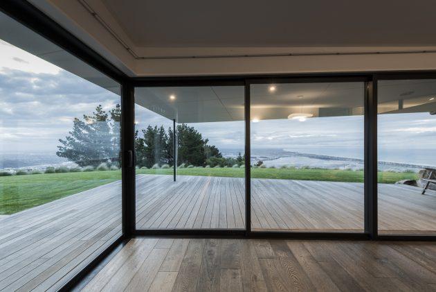 Mt Pleasant Home by Cymon Allfrey Architects in New Zealand