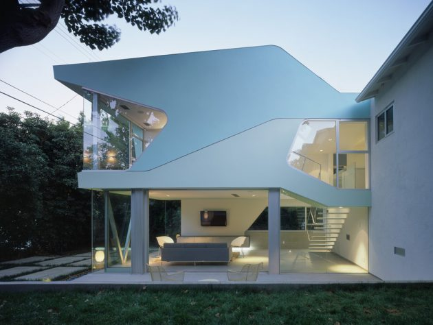 Alan-Voo Family House by Neil M. Denari Architects in LA, California