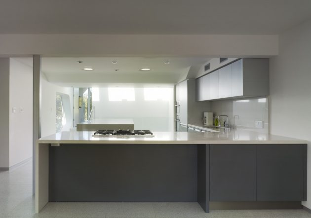 Alan Voo Family House by Neil M. Denari Architects in LA, California