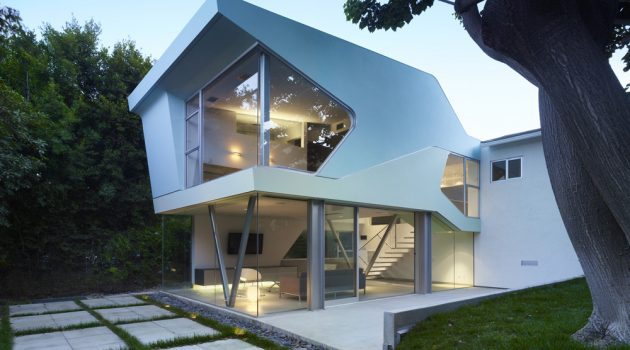Alan-Voo Family House by Neil M. Denari Architects in LA, California