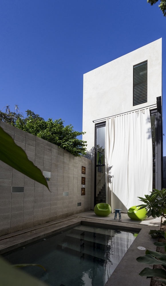 Raw House by Taller Estilo Arquitectura in Merida, Mexico