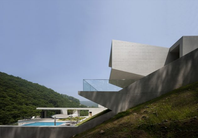 U Retreat by IDMM Architects in Hongcheon, South Korea