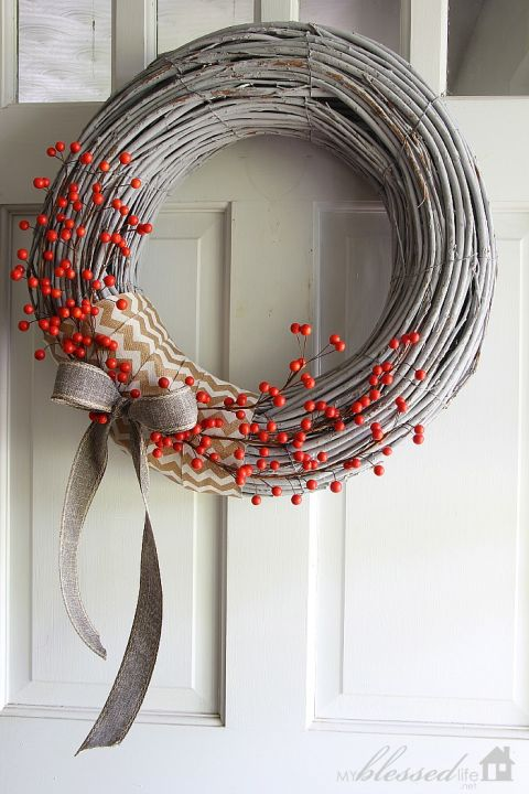 17 Whimsical DIY Christmas Wreath Ideas Youll Easily Craft