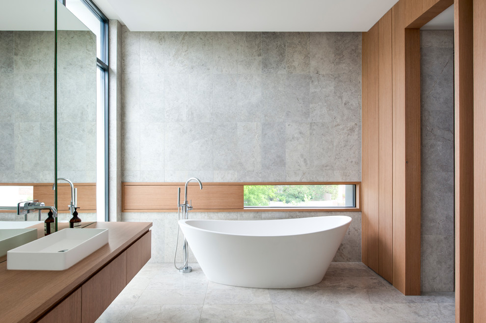 18 Sleek Modern Bathroom Designs You'll Fall In Love With