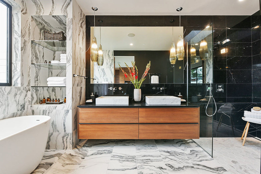 . 18 Sleek Modern Bathroom Designs You ll Fall In Love With