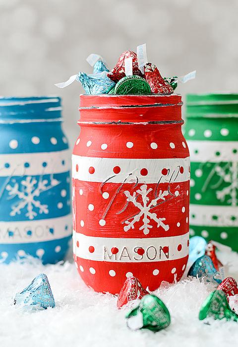 18 wonderful diy christmas mason jar ideas you should craft. Black Bedroom Furniture Sets. Home Design Ideas