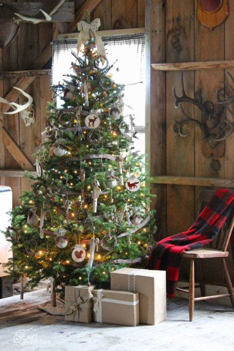 22 Sparkling Christmas Tree Decorating Ideas You'll Lose Yourself In
