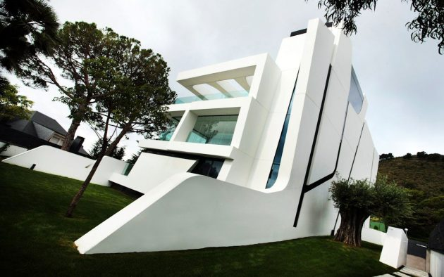 Weave House by A-cero on the Mediterranean Coast of Spain