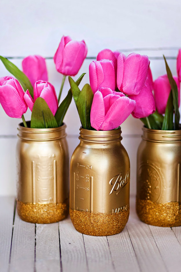 15 Charming DIY Mason Jar Gifts For Valentines Day