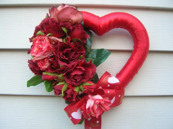 15 Cute Handmade Valentines Day Wreath Designs Make A Unique Gift