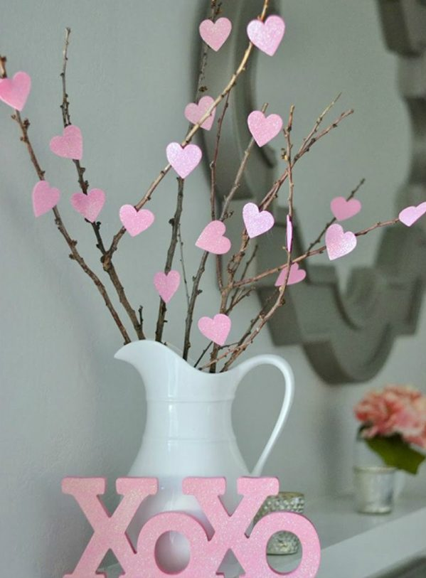 18 Low-Cost Decorations That You Can DIY For This Valentine's Day