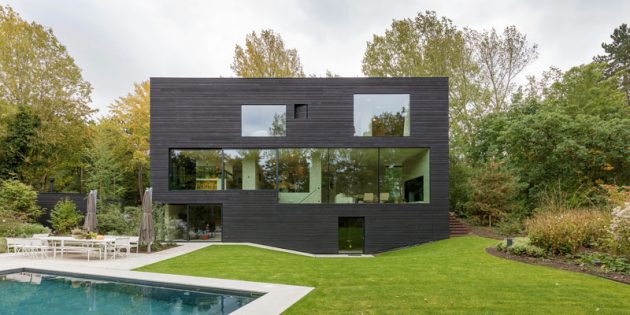 10 Extravagant Houses From Around The World That Are Worth Seeing
