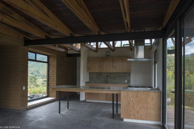 Malinalco House by Arquitectura Alternativa in Malinalco, Mexico