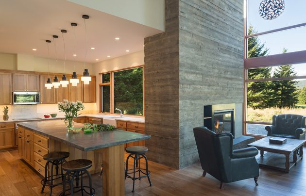 Tumble Creek Cabin by Coates Design Architects in Washington, USA