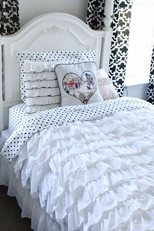 15 chic diy duvet cover ideas you won 39 t find in the stores. Black Bedroom Furniture Sets. Home Design Ideas