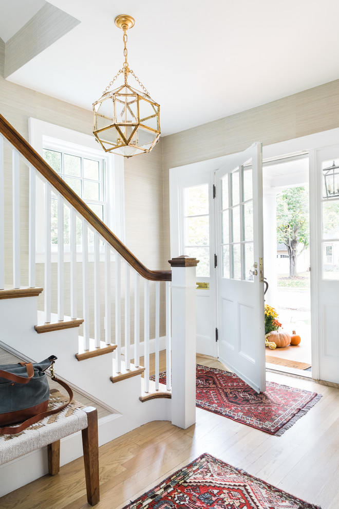 15 Beautiful Modern Foyer Designs That Will Welcome You Home: 16 Comfortable Transitional Entry Hall Designs That Will Welcome You Inside
