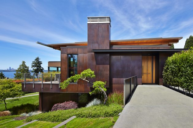 Brook Bay Residence by SKL Architects on Mercer Island in Washington