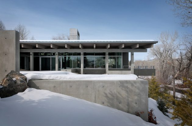 River House by Suyama Peterson Deguchi on The Northern Rocky Mountains