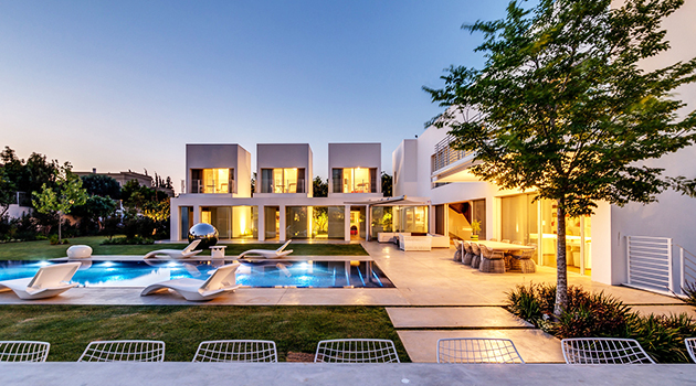 The Cubes House by Nestor Sandbank in Israel
