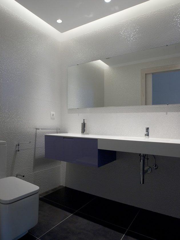 Vitoria-Gasteiz Home by Patxi Cortazar Arquitecto in Spain