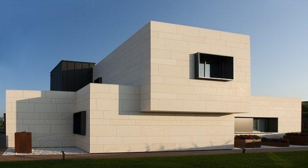 Vitoria Gasteiz Home by Patxi Cortazar Arquitecto in Spain