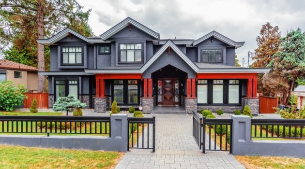 How to Improve Curb Appeal with a Touch of Elegance