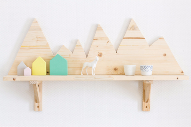 15 Awesome DIY Shelves That You Can Create In No Time