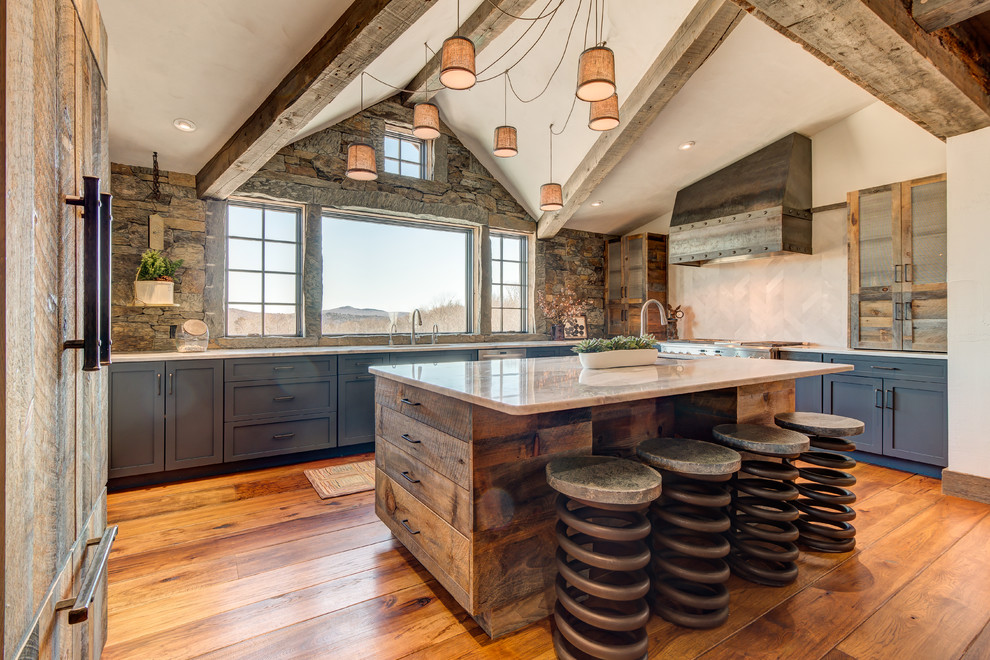 17 Impressive Rustic Kitchen Designs That Will Make You Drool