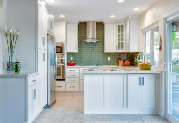 15 Outstanding Ideas For Decorating Practical Small Kitchen