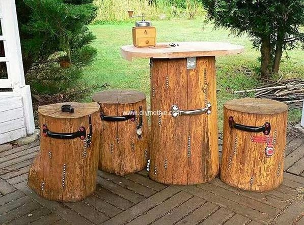 21 Super Easy Wood Log Garden Decorations That You Can Do For Free
