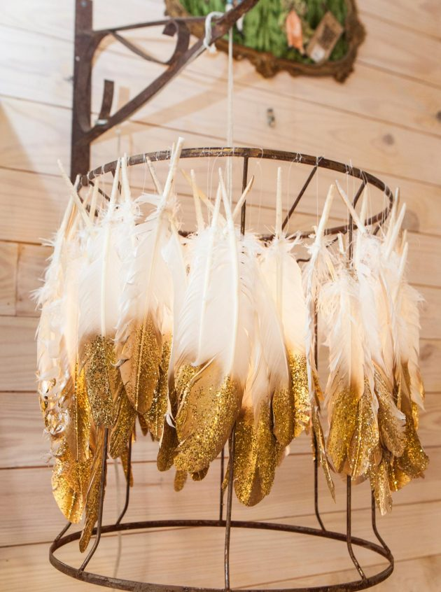 10 Delightful DIY Feather Lamps You Can Make In No Time