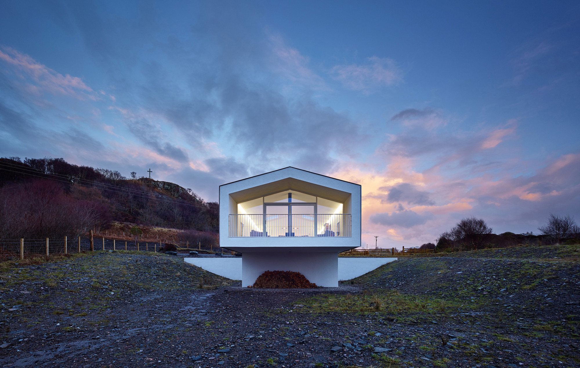 Beach house by dualchas architects near mallaig scotland for Beach house architecture