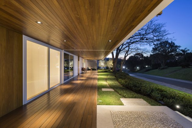 Jardim do Sol House by Hype Studio in Porto Alegre, Brazil