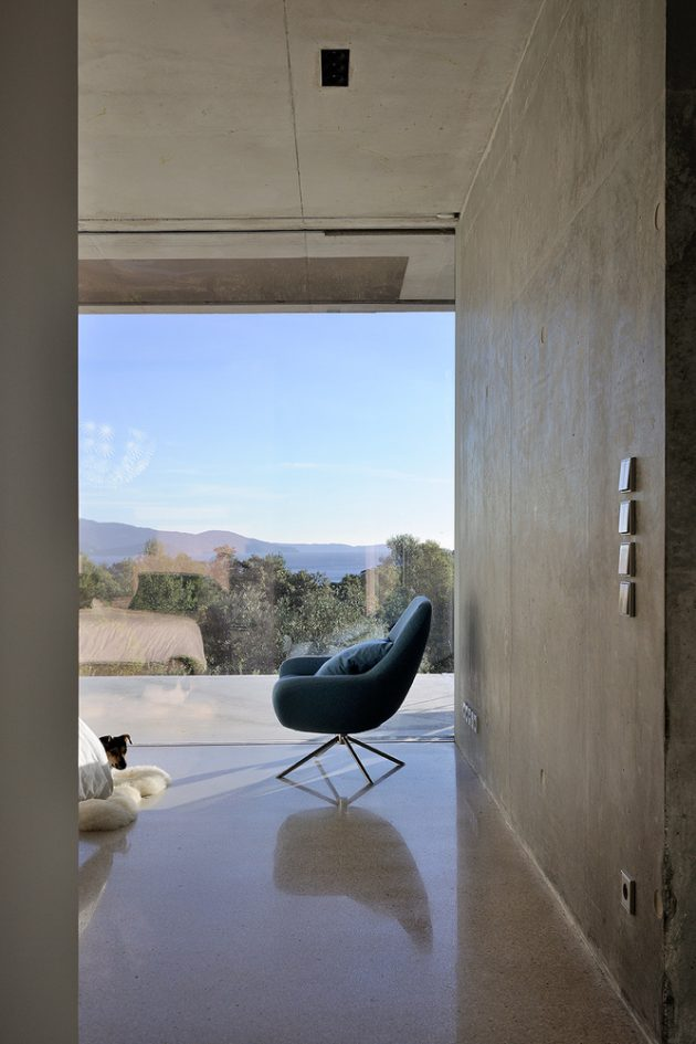 La Mira Ra House by AUM Pierre Minassian in Southern France