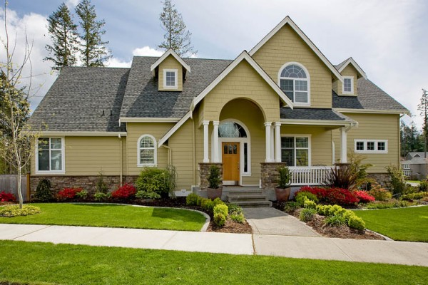 5 Outdoor Home Improvements that Increase Curb Appeal
