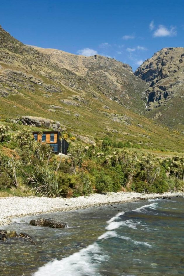 Drift Bay House by Kerr Ritchie Architects in Queenstown, New Zealand