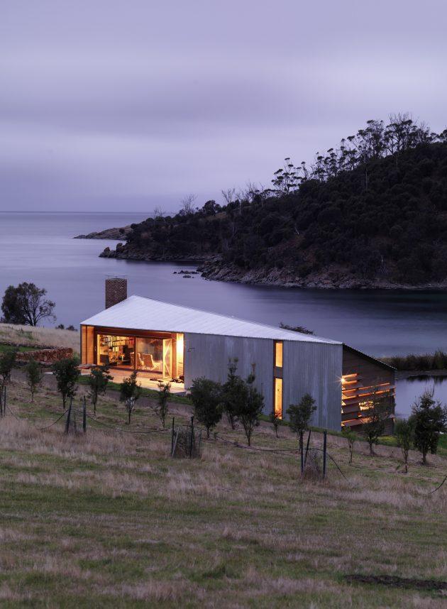 Shearers Quarters House by John Wardle Architects in Hobart, Australia