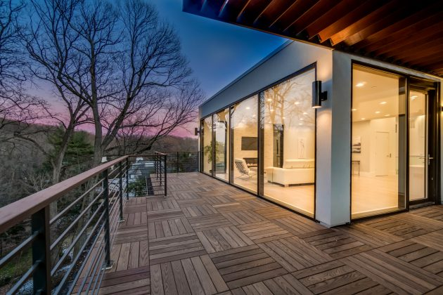 Chesapeake House by KUBE Architecture in Washginton DC, USA