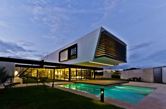 Temozón House by Carrillo Arquitectos y Asociados in Temozón, Mexico