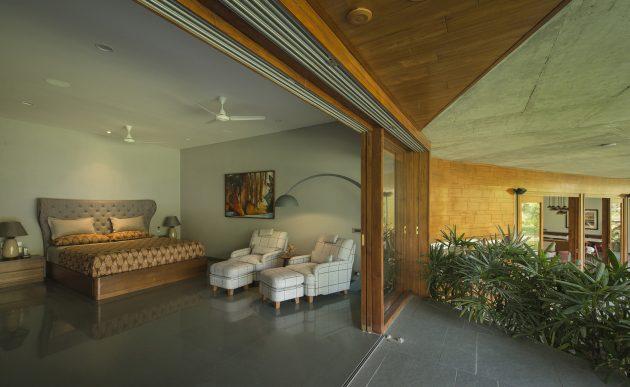 Verandah House by Modo Design in Western India