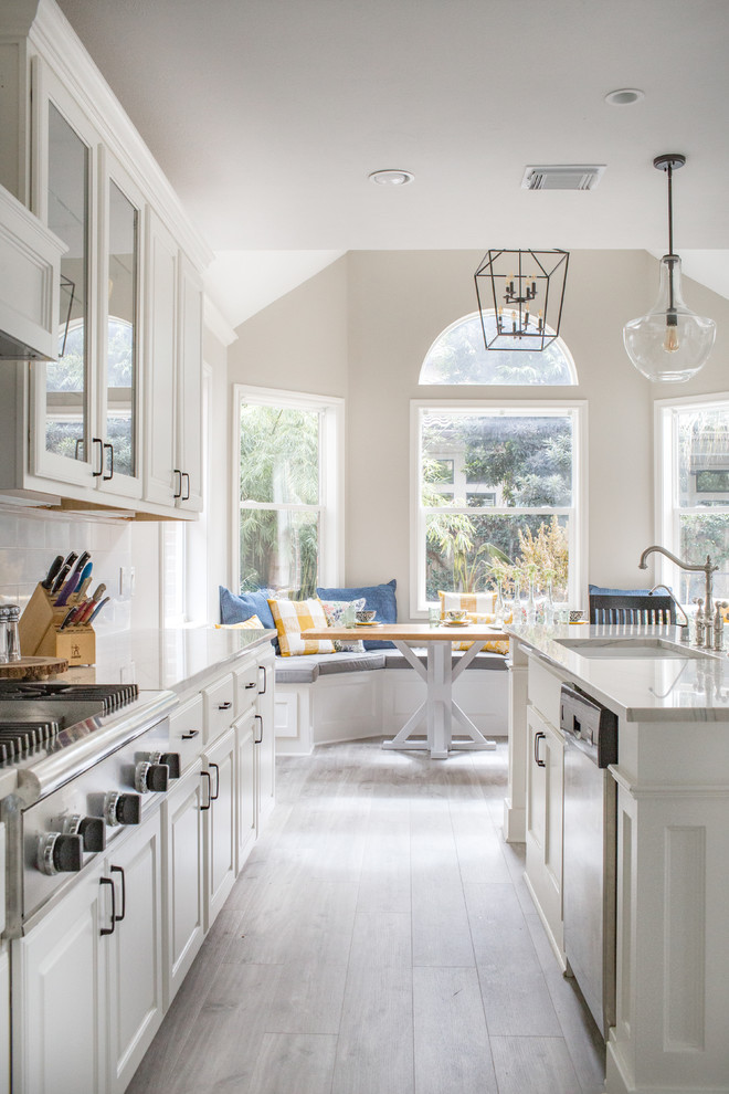 Interior Design Girls Kitchen: 15 Beautiful Traditional Kitchen Designs With A Timeless Look