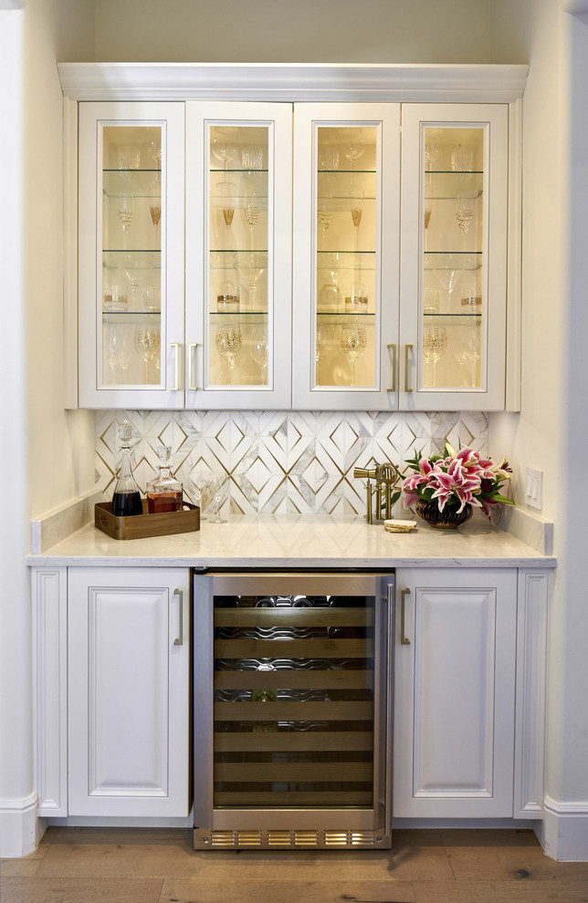 15 Sophisticated Traditional Home Bar Designs That Will Add A Touch Of Elegance To Your Home