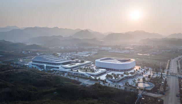 Landscape temperament Balance and integration: Linan Sports and Culture Center