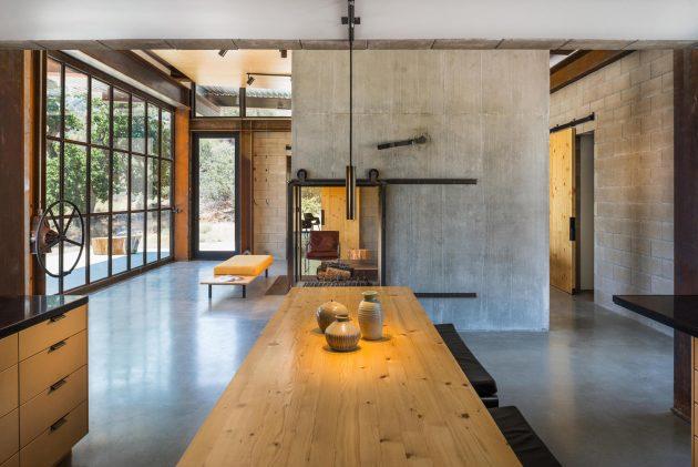 Sawmill Retreat by Olson Kundig Architects in Tehachapi ...