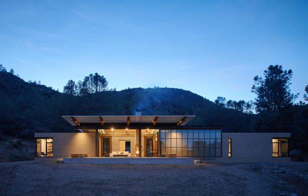 Sawmill Retreat by Olson Kundig Architects in Tehachapi, California