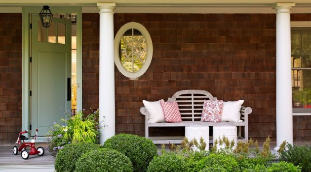 15 Charming Traditional Porch Designs You'd Love To Spend Your Days In