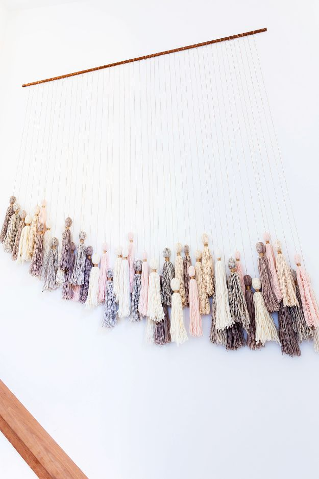 15 Dreamy DIY Wall Hanging Decorations You Can Easily Make In An Hour Or Two