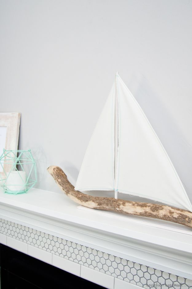 15 Refreshing DIY Beach Themed Decor For Your Home