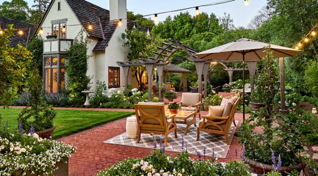 16 Dazzling Traditional Patio Designs You'll Fall In Love With